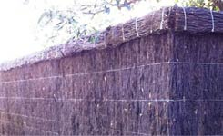 Brush Fencing with Roll-Top Mount Eliza